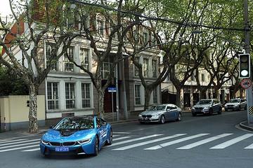 宝马新能源车队上海车展前上演街头秀,未来车型计划曝光