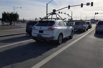 载有苹果自动驾驶装置的雷克萨斯RX450h系统路测照曝光