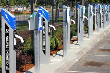 宁德市出台今年公共机构节约能源资源规划 要求单位停车场将配建充电设施