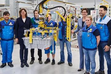 宝马宣布扩大电动车产量,包括MINI/X3纯电版