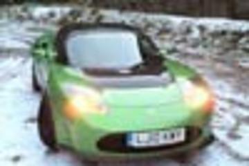 特斯拉敞篷跑车2.5版冬季路测