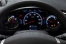 是否该下调新能源车的速度标准?