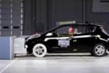 电动汽车日产聆风碰撞测试