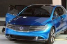 比亚迪戴姆勒腾势新能源车亮相北京车展