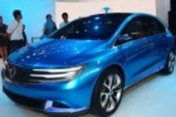 比戴腾势亮相北京车展 明年年底将量产