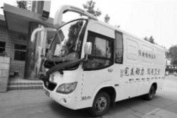 纯电动物流车在郑运营 最高时速达65公里