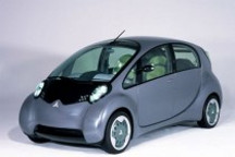 """媒体评说:电动汽车""""技术领跑""""不容忽视"""