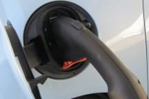加州快充站将支持CHAdeMO和SAE标准 全美电动车适用
