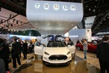 不畏烈火 特斯拉Model X订单已超6000辆
