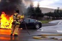 """NHTSA开始收集特斯拉Model S撞击起火""""证据"""""""