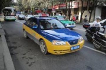 广西贺州首批混合动力出租车投入运营