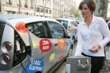 法国使馆参赞:法国预计到2015年建90万个电动汽车充电点