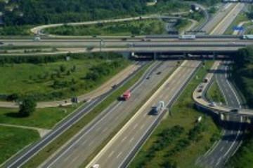 德国计划向外国驾驶员收取过路过桥费