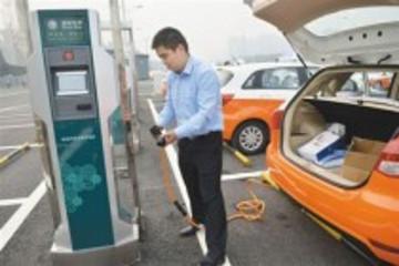 济南2014年出租车更新全部使用新能源汽车