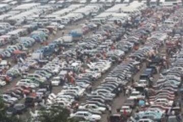 以期限牌牟利:南京商贩囤积廉价二手车