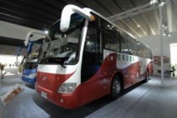 2013年国内客车市场产销56.3万和55.9万辆
