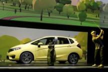 [新品集锦]本田新飞度发布 特斯拉Model X年底上市