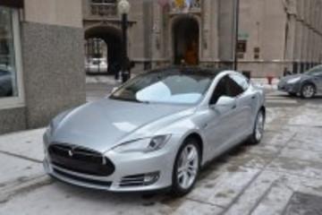 二手特斯拉Model S售价比新车高3万美元