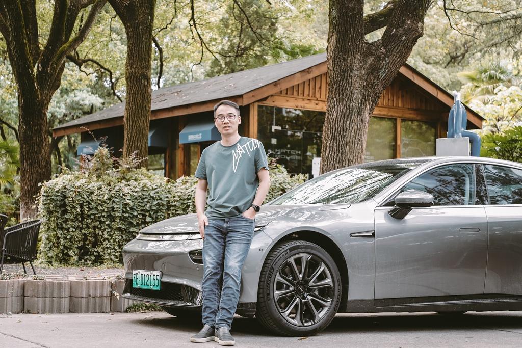 买了这辆电动车后,他把奥迪S1卖了,并宣布跟燃油车拜拜