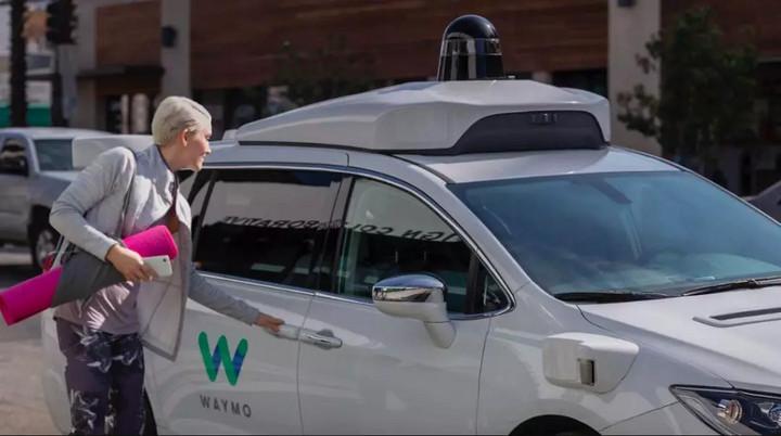 全球首次,无人出租车Waymo One正式投入商用!但依然只是一小步…..