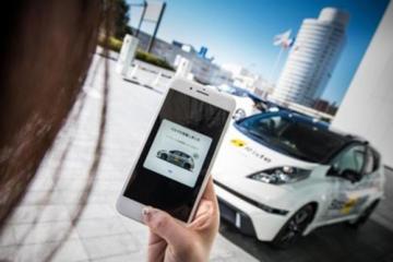 迪拜首辆自动驾驶出租车亮相2018海湾信息技术展 解决最后一公里问题
