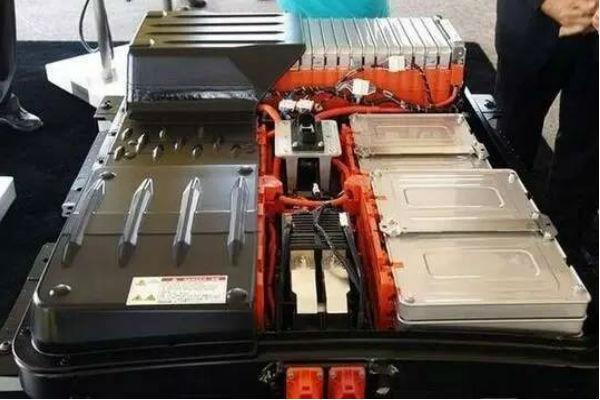 """电动汽车锂电池装机4月同比增261.56% 宁德时代丢""""第一"""""""