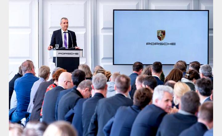 ▲ 保时捷全球执行董事会成员、负责生产与物流的瑞慕德先生