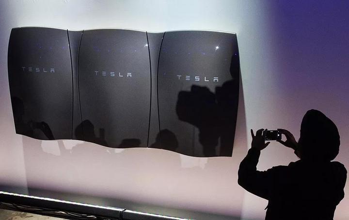 特斯拉推介家庭及企业电池组产品