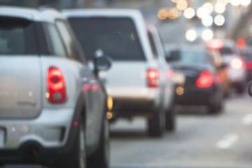 北京需裁减185万辆燃油车?官方报告称仅靠新能源车减排太慢