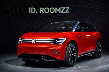 ID. ROOMZZ定位全尺寸电动旗舰SUV,率先在中国推出!