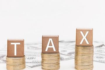 12月15日起中国对原产美国汽车及零部件将恢复加征关税 美股汽车股集体下挫