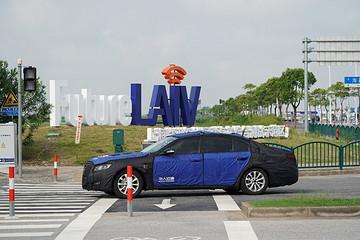 Future LAIV正式开园,华人运通车路协同自动驾驶亮相自贸区临港新片区