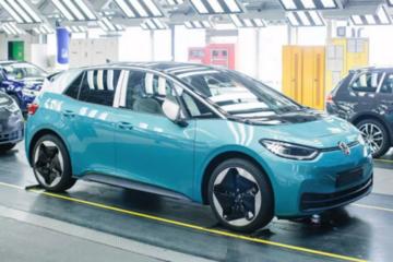 首辆国产大众ID纯电汽车正式下线,全球第一车企的新灵魂到底是什么?