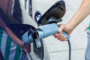 Uber将开始为使用电动汽车的司机提供现金奖励