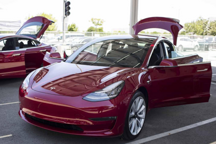 "Model 3到来,宣告豪华品牌""诸神黄昏""?"