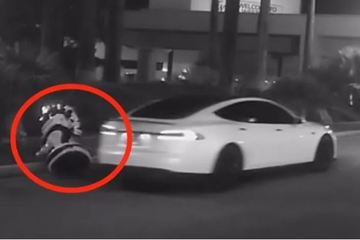 替特斯拉伸冤:我没有撞死机器人!我们的车是全世界最安全的!