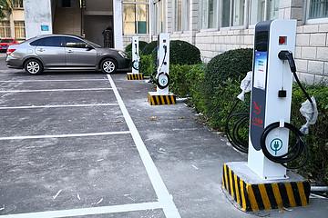 海南抓好新能源充电桩运行维护与财政补贴、确保车桩比低于3:1