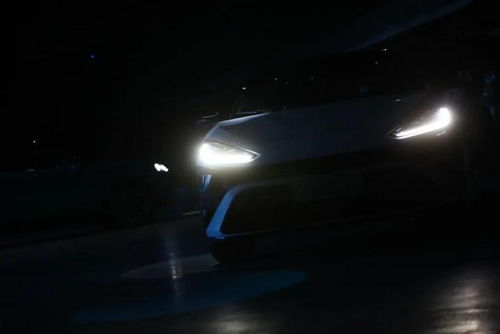 喊话特斯拉,ARCFOX极狐:激光雷达车我们明年量产