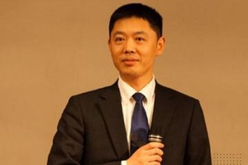 华为汽车BU总裁王军首次参加行业峰会登上了谁的舞台?
