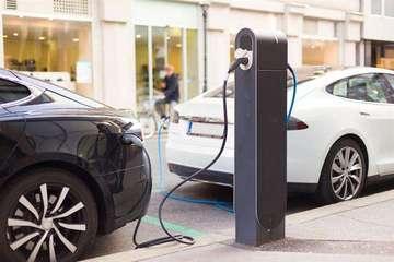 桩跟车走 沃尔沃收购移动充电公司股份
