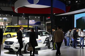 新能源汽车销售渠道多元化,4S店仍是主流