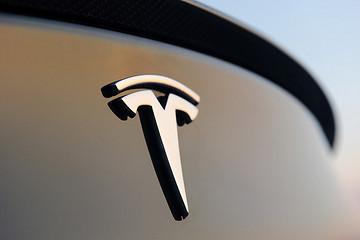 特斯拉正致力于改进电池设计 明年将会投入使用
