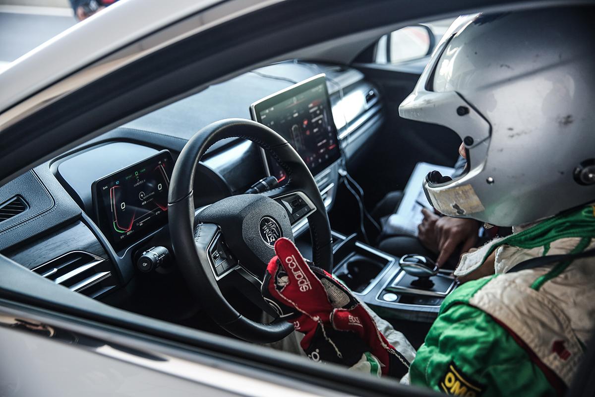 【一电试车】纯电动车也玩操控?比亚迪秦Pro EV500赛道初体验