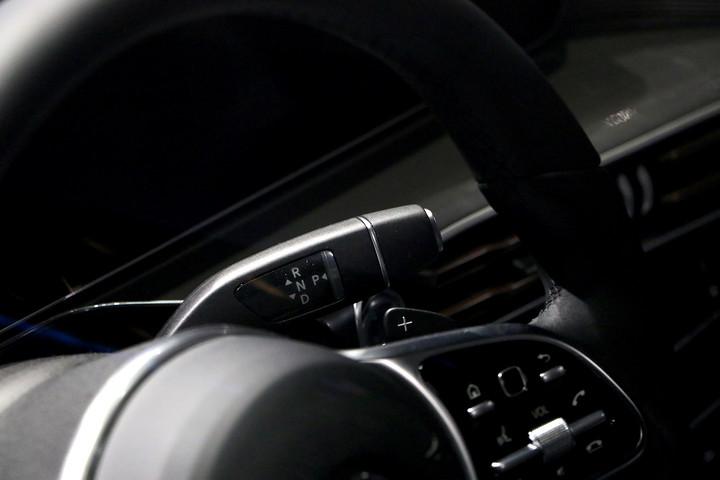 奔驰方向盘细节.JPG