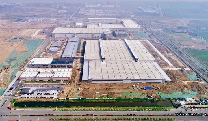 01-拜腾南京工厂鸟瞰图.jpg