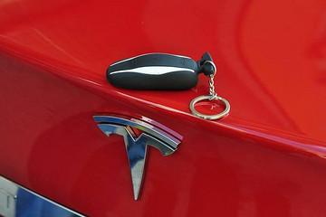 特斯拉车主眼中的国产Model 3:这么便宜,身边很多朋友都会下手