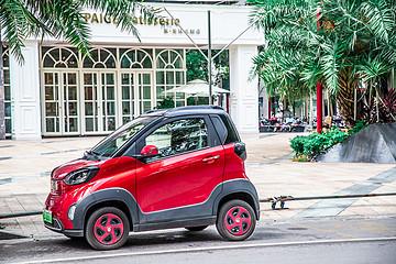 国内尺寸最小的汽车,长不到2米5,宽才1米5,6分钱跑一公里