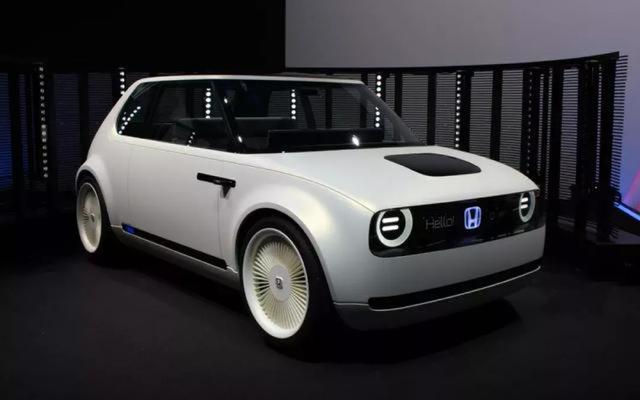 本田首款电动车公布,内饰五块液晶屏,续航250公里
