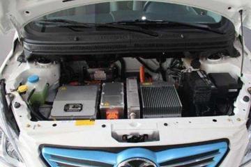 除了续航里程短,新能源车和燃油车相比,还存在哪些差距?