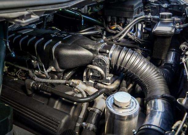 纯电汽车和燃油车哪个更容易自燃?3个小窍门轻松化解风险